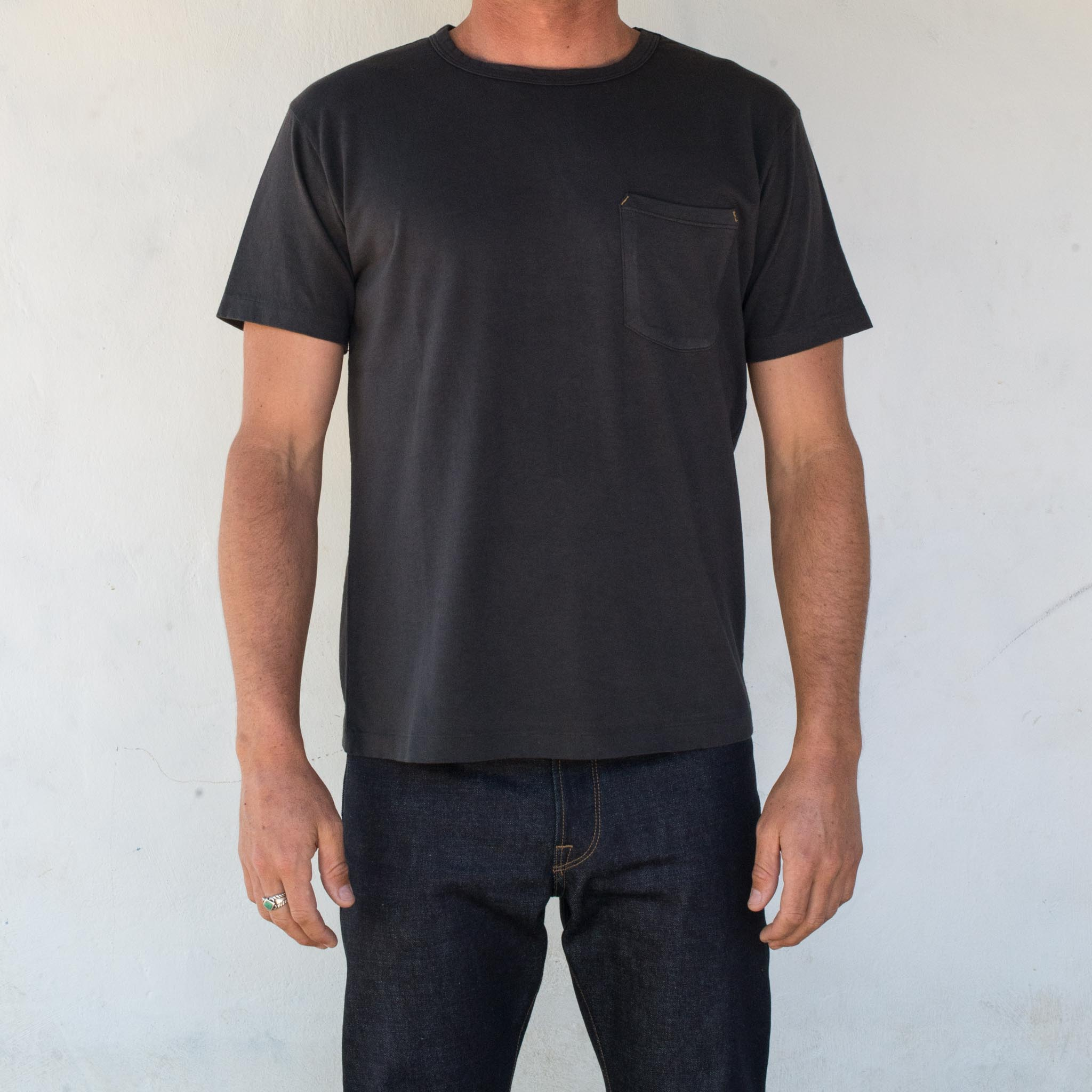 9 Oz Pocket T-Shirt <span> Midnight </span>