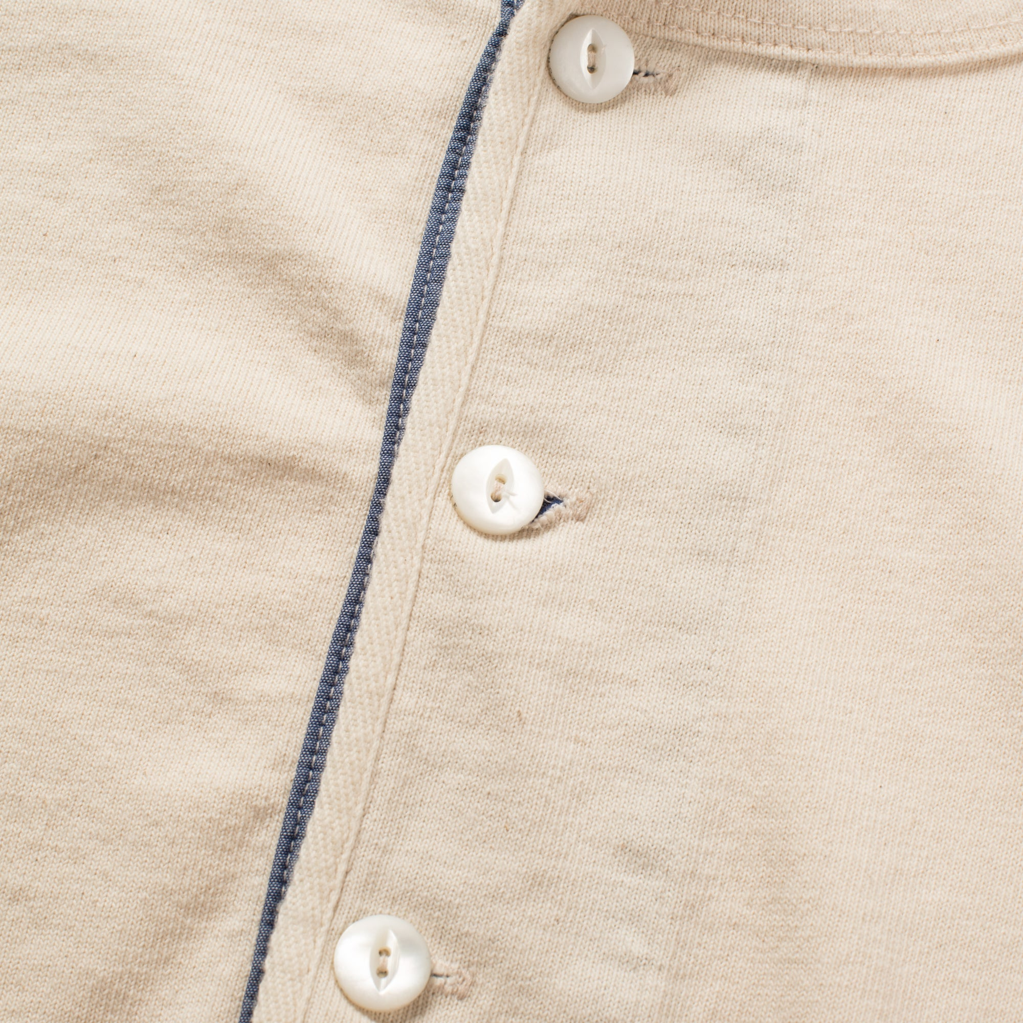 13 OUNCE HENLEY NATURAL buttons
