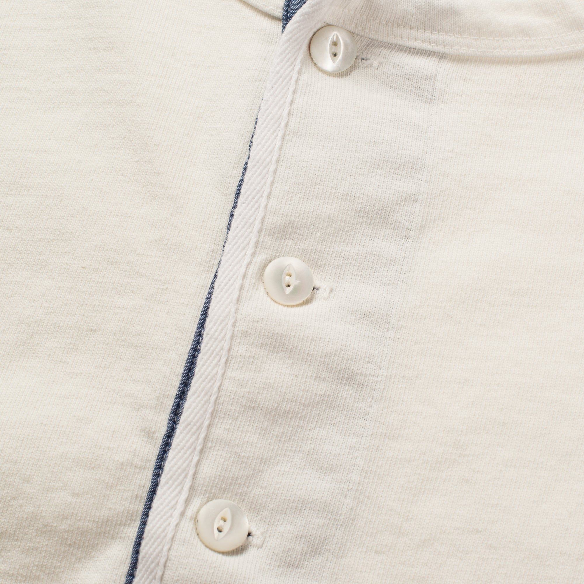 13 OUNCE HENLEY WHITE Buttons
