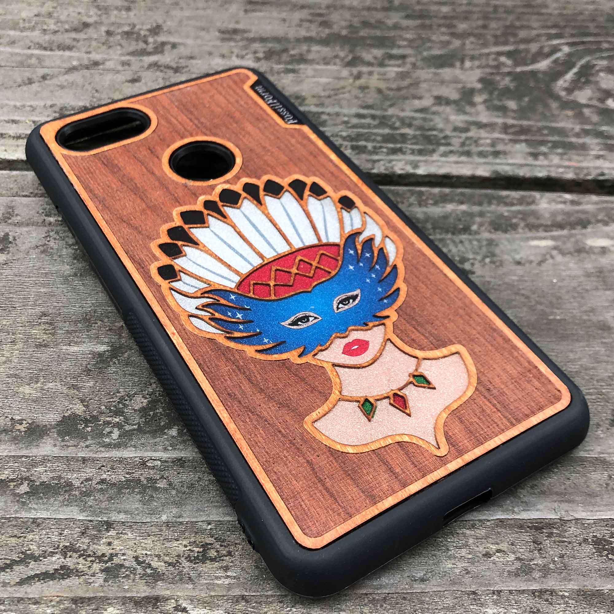 Girl With Native American Feather Headdress - Engraved Wood & Resin Case - Black