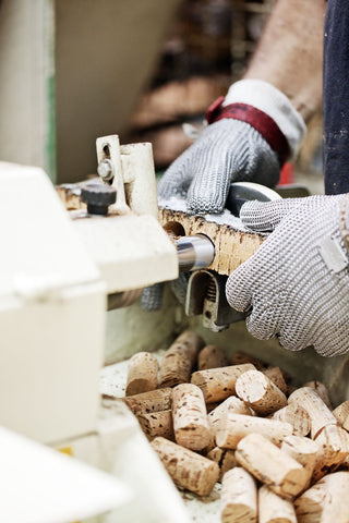 Cork stoppers manufacturing 1