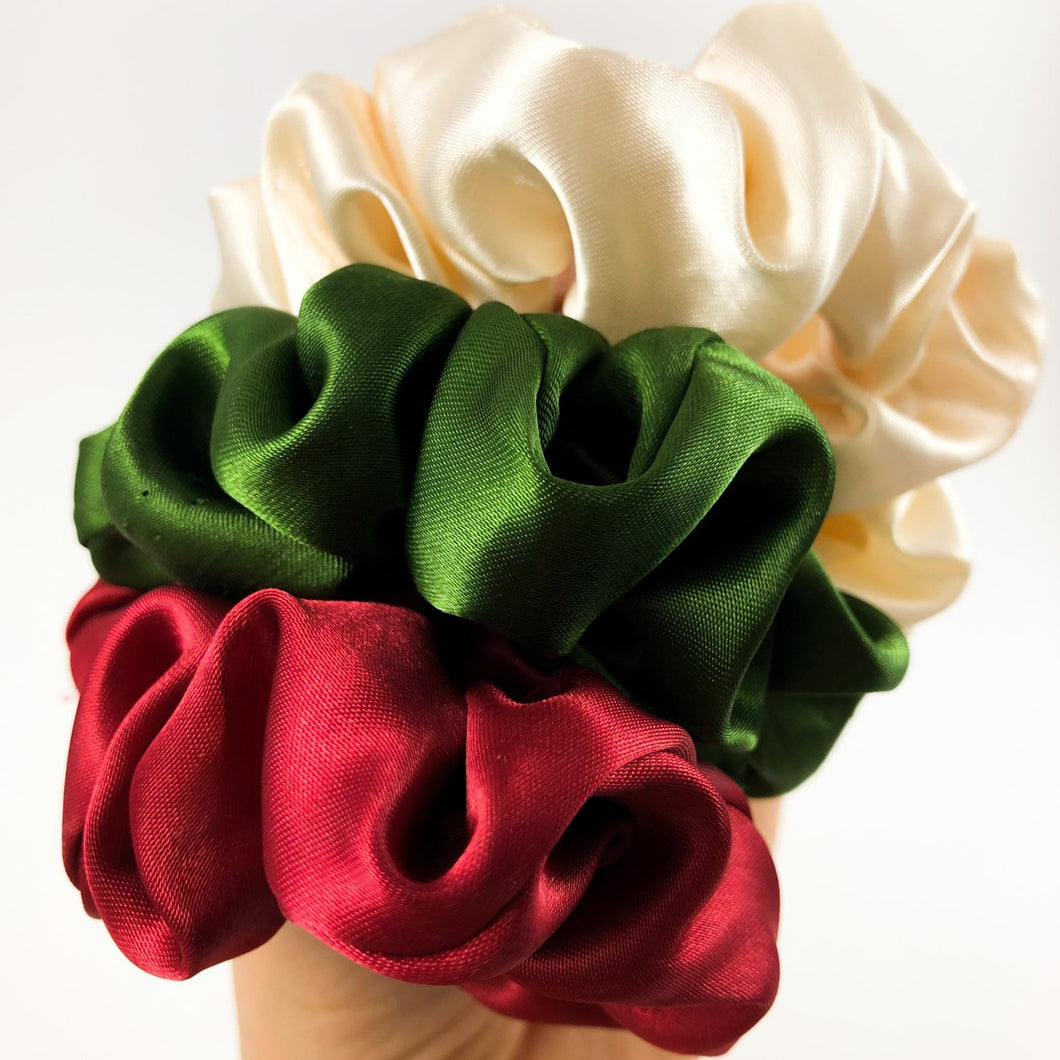 Holiday Season Satin Gift Set