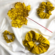 Load image into Gallery viewer, Skinny Sunflower Scrunchie