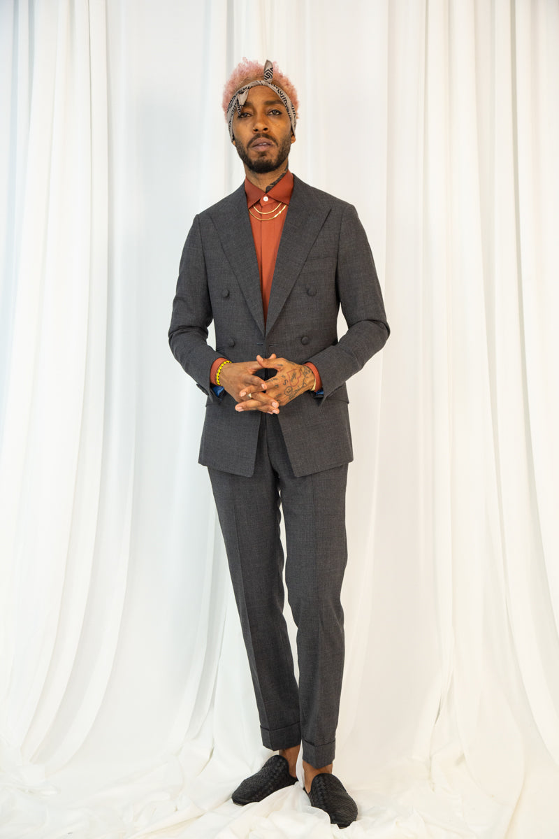 Men's Double-Breasted Suit with fabric Buttons