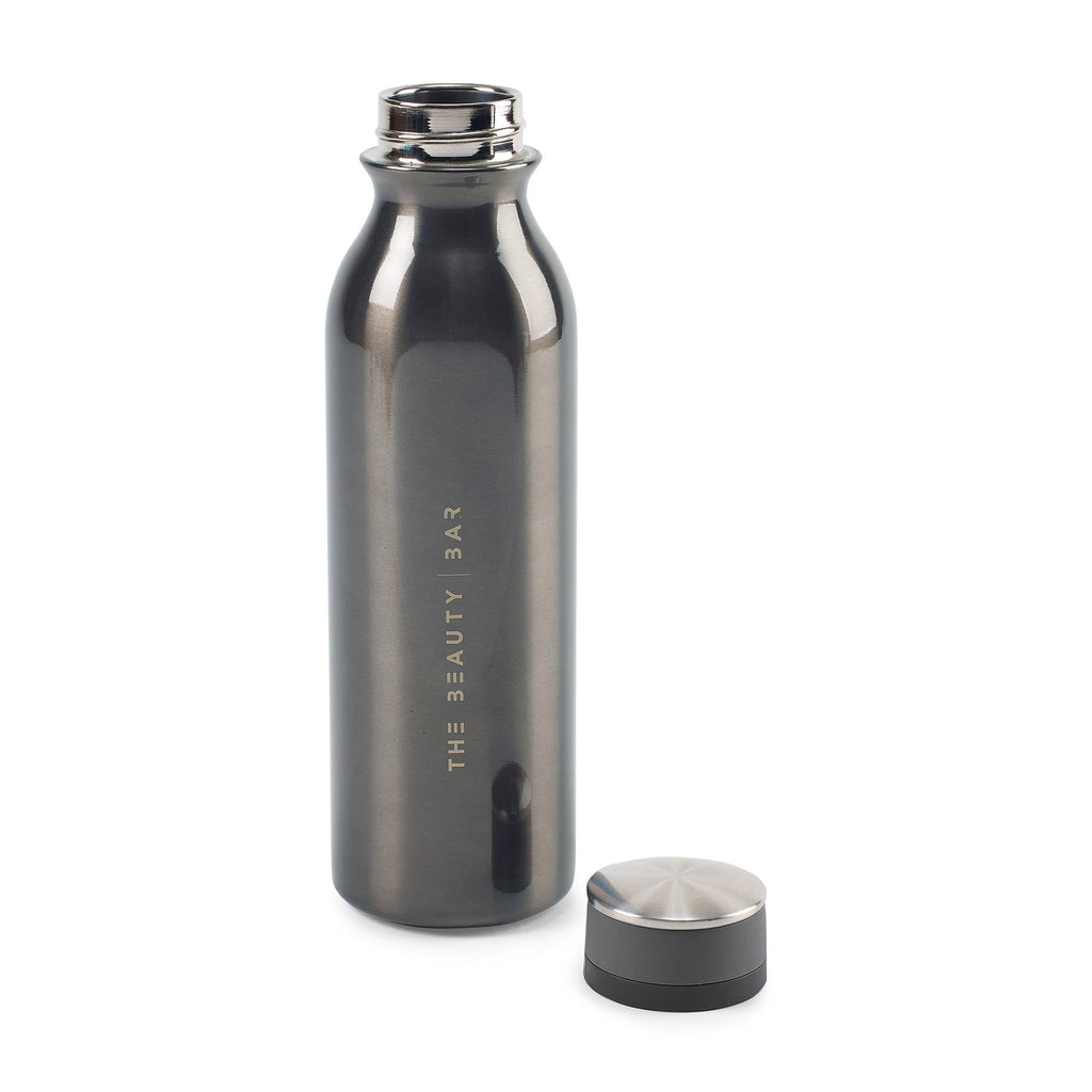 Favorite Double Wall Stainless Bottle 20 Oz. 😀😀 in White Background. Bottle is gray.