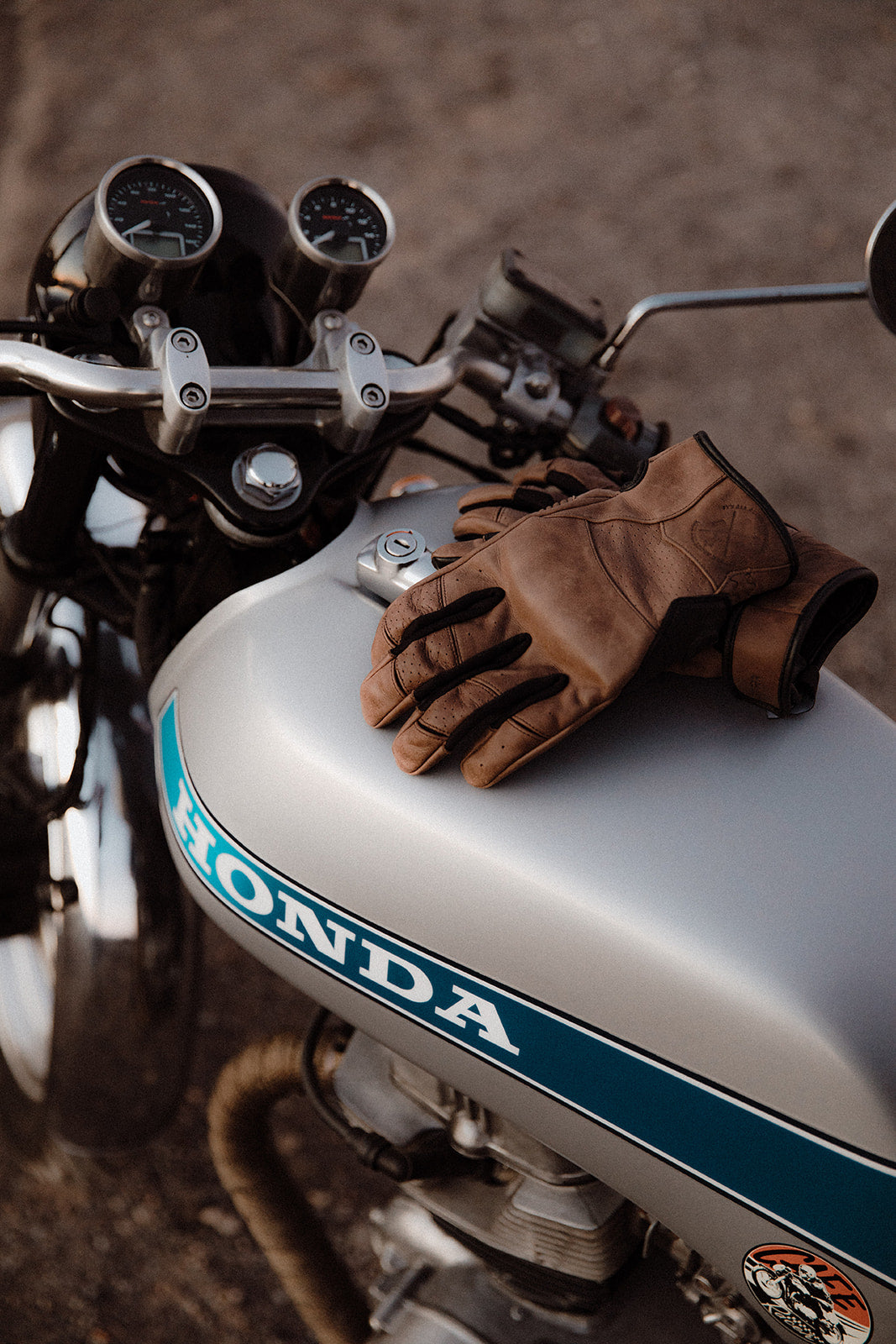 California Vintage Brown Motorcycle Gloves