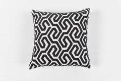 GEOMETRICO NAVY CUSHION