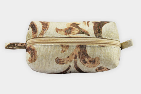 VICTORIA NEUTRAL POUCH