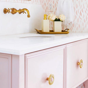 10 Rooms that make you want to go pink