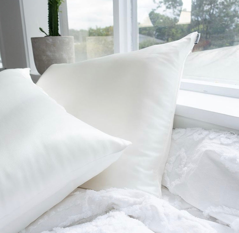 Load image into Gallery viewer, Shh Silk - Off White Silk Pillowcase