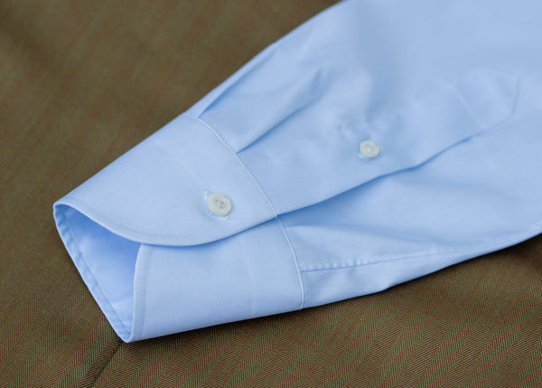 Neapolitan shirt with conical cuff