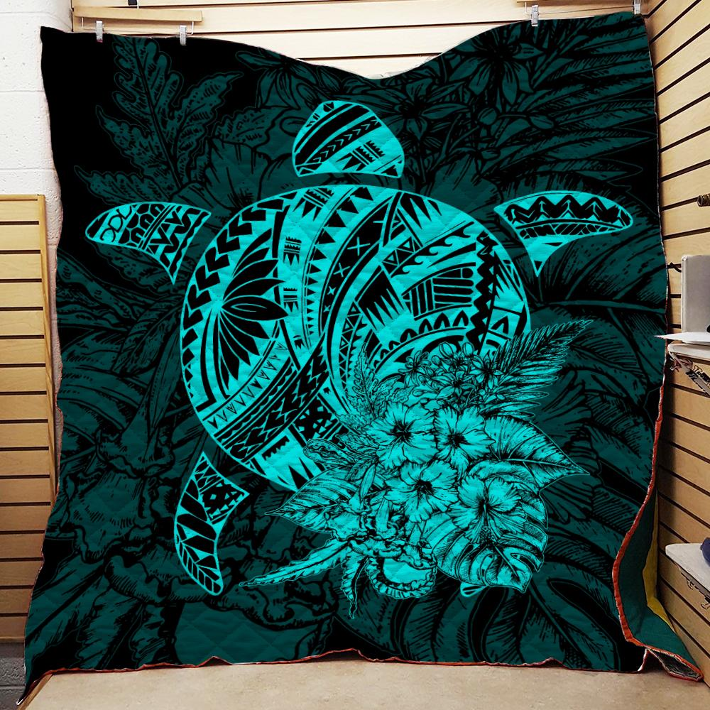 Turtle polynesian hibiscus flower Quilt