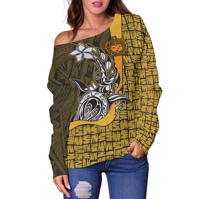 Samoa Polynesian Turtle with Hook Gold Women's Off Shoulder Sweater