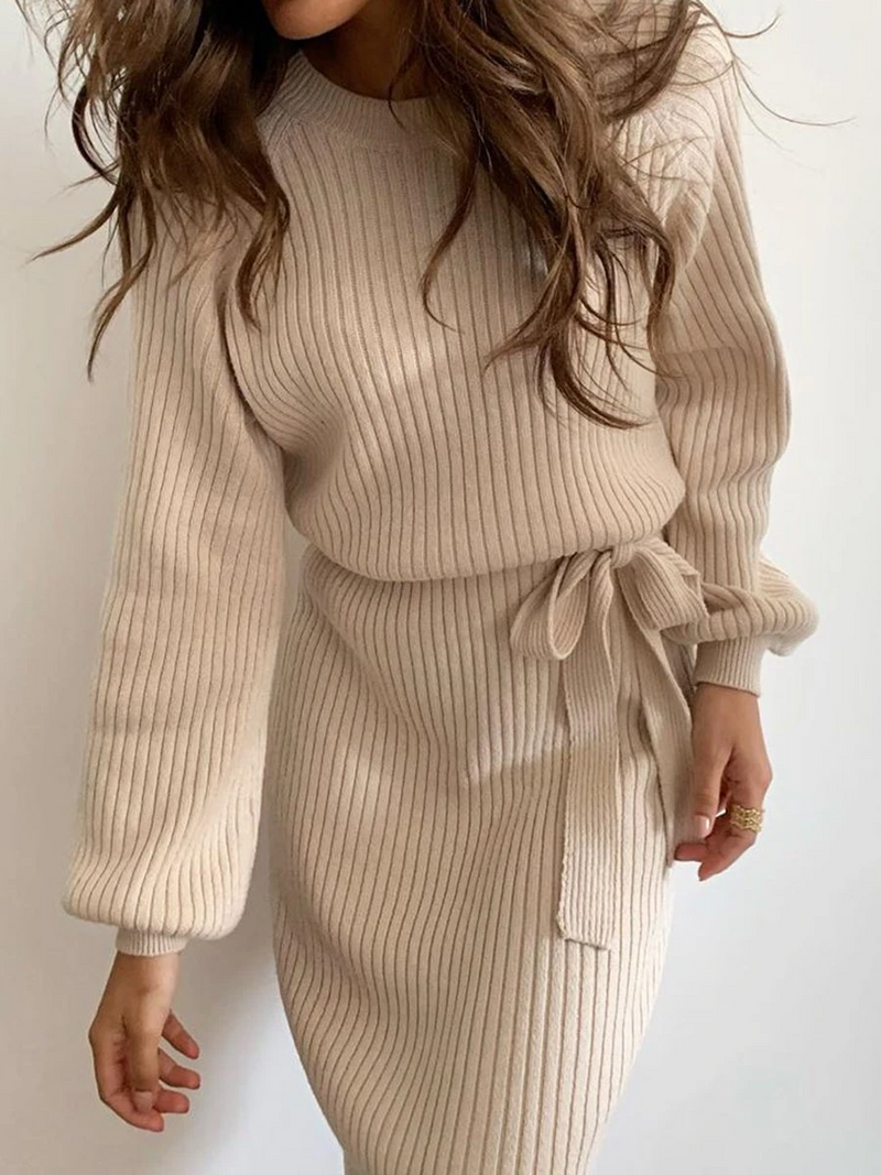 ROUND NECK KNITTED TIGHT FIT DRESS