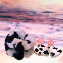 Load image into Gallery viewer, Fluffy cow zip scrunchie