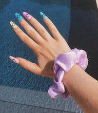 Load image into Gallery viewer, Lilac satin zip scrunchie