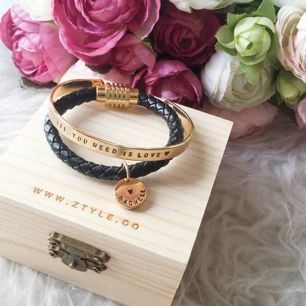 [BUNDLE] ROUND PENDANT LEATHER BRACELET + SAY IT ON YOUR WRIST BANGLE