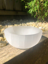 Load image into Gallery viewer, SELENITE BOWL (10CM)