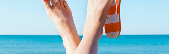 How To Avoid Hot, Sweaty Feet This Summer - Bare Feet and Hands