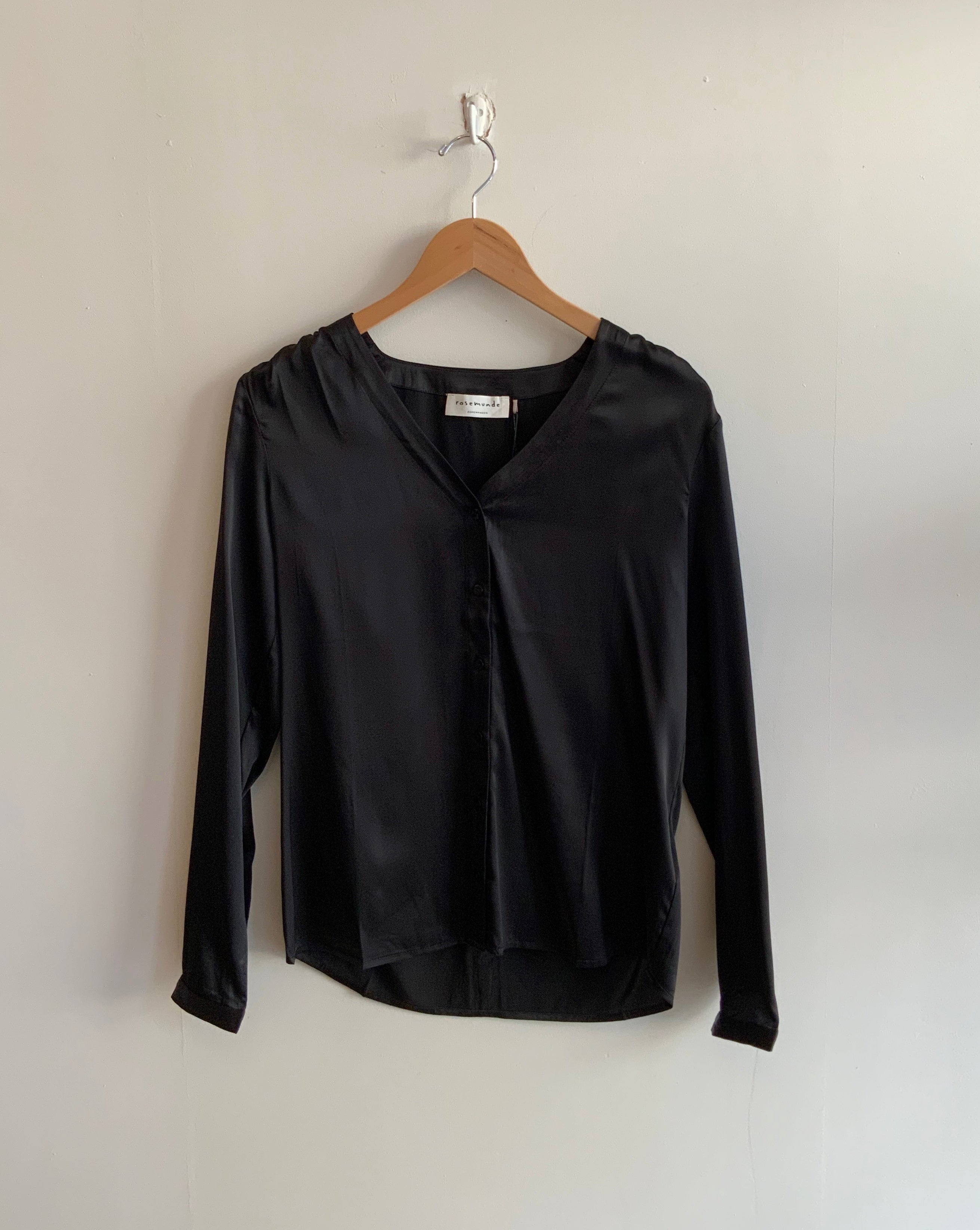 Night Out Satin Button up Blouse in Black
