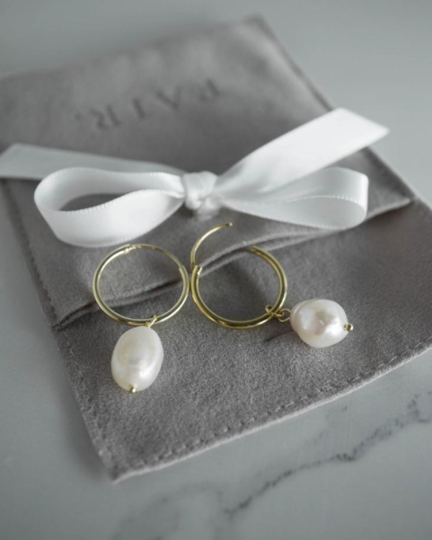 Francis Pearl Hoops in Gold