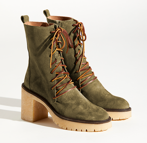 Dylan Lace-Up Boots in Khaki