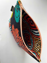 Load image into Gallery viewer, Umoja ZIPPY Bag 21/04