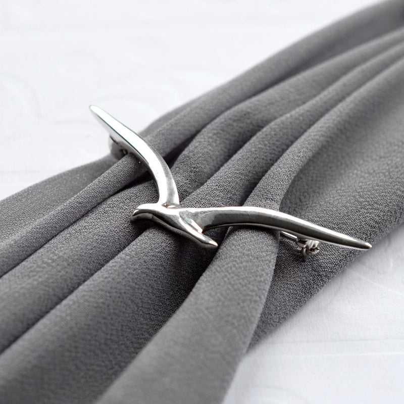 Silver Seagull in flight brooch