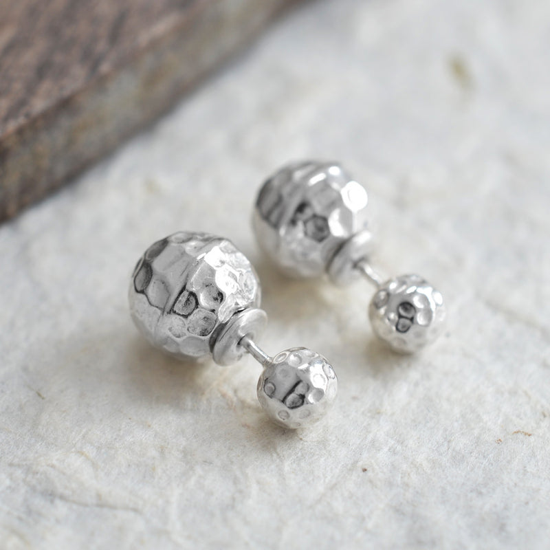 Silver or white Venus double stud earrings