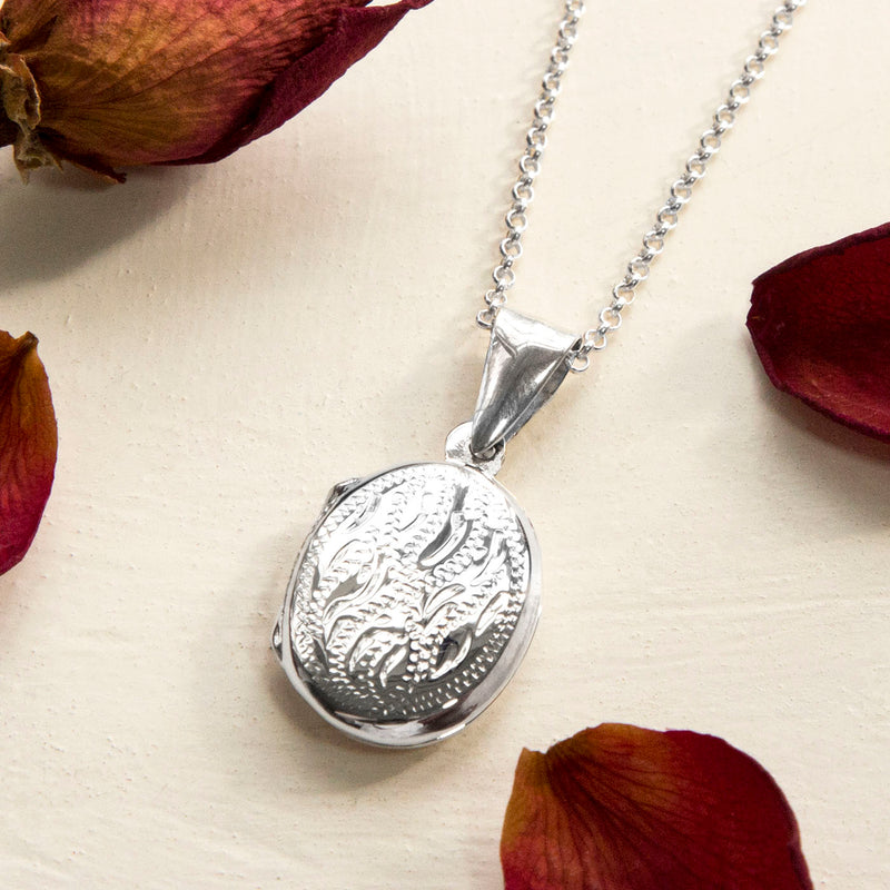 925 Sterling Silver Decorative Oval Locket
