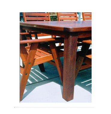 Argyle140 Jarrah Round Outdoor Table