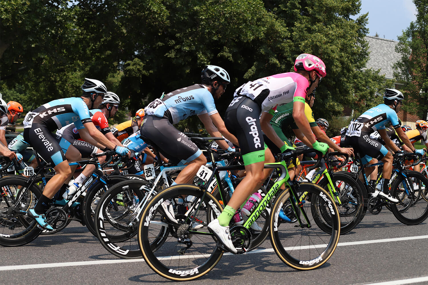 Contender Salt Lake City Stage Tour of Utah 2018 peloton behind the capitol EF-Drapac p b Cannondale