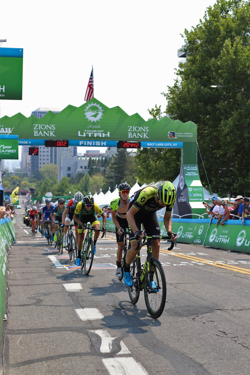 Contender Salt Lake City Stage Tour of Utah 2018 two laps remaining by the finish line