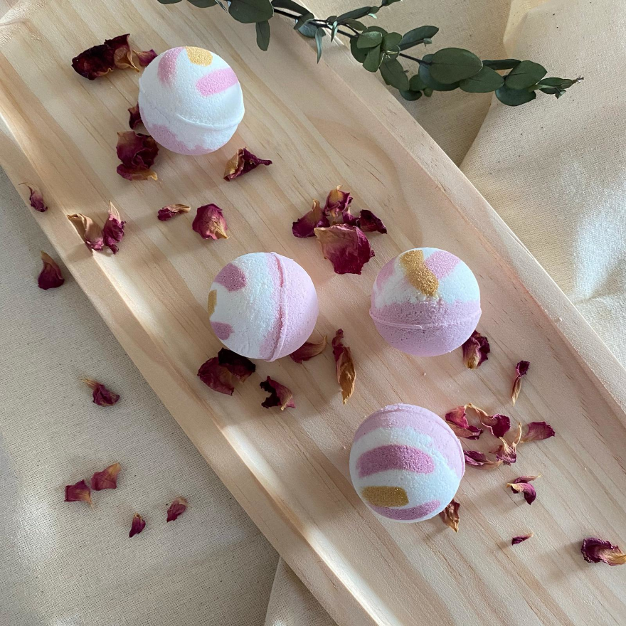 Livconsciously: Bath Bomb - Mint Rose