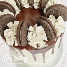 Load image into Gallery viewer, Oreo Drip Cake