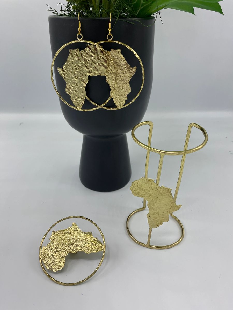 queen n'kama brass casted accessory set
