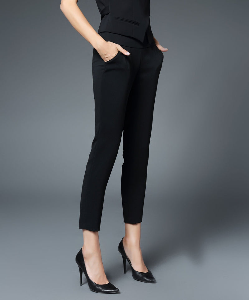 Charlotte Skinny Ankle Pant in Black