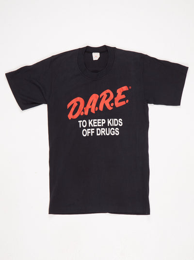 DARE To Keep Kid Off Drugs Printed T-Shirt Black / Red / White Size Medium - Black / Medium / Great (10001086)