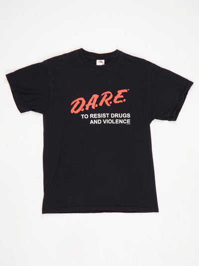 DARE To Resist Drugs and Violence Big Logo Printed T-Shirt Black / Red / White Size Medium