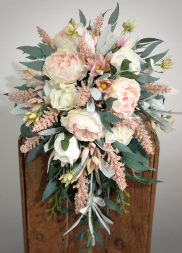 Great reasons to choose faux flowers