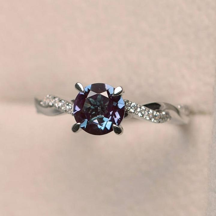 Alexandrite Stone Twist Round Cut Engagement Ring