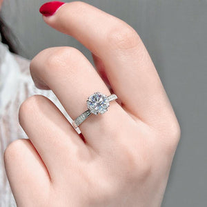 Crown Moissanite Diamond 1Ct VVS1 Engagement Ring
