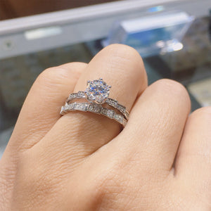 Round Cut Moissanite Wedding Ring