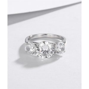 CVD Diamonds Ring Special Design Three Stones