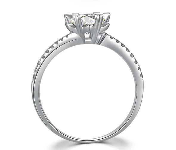 CVD Diamond Twisting Snowflake Ring