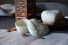 Load image into Gallery viewer, Heart shaped porcelain jewelry box with lid - White & Blue - ZLATNAporcelain
