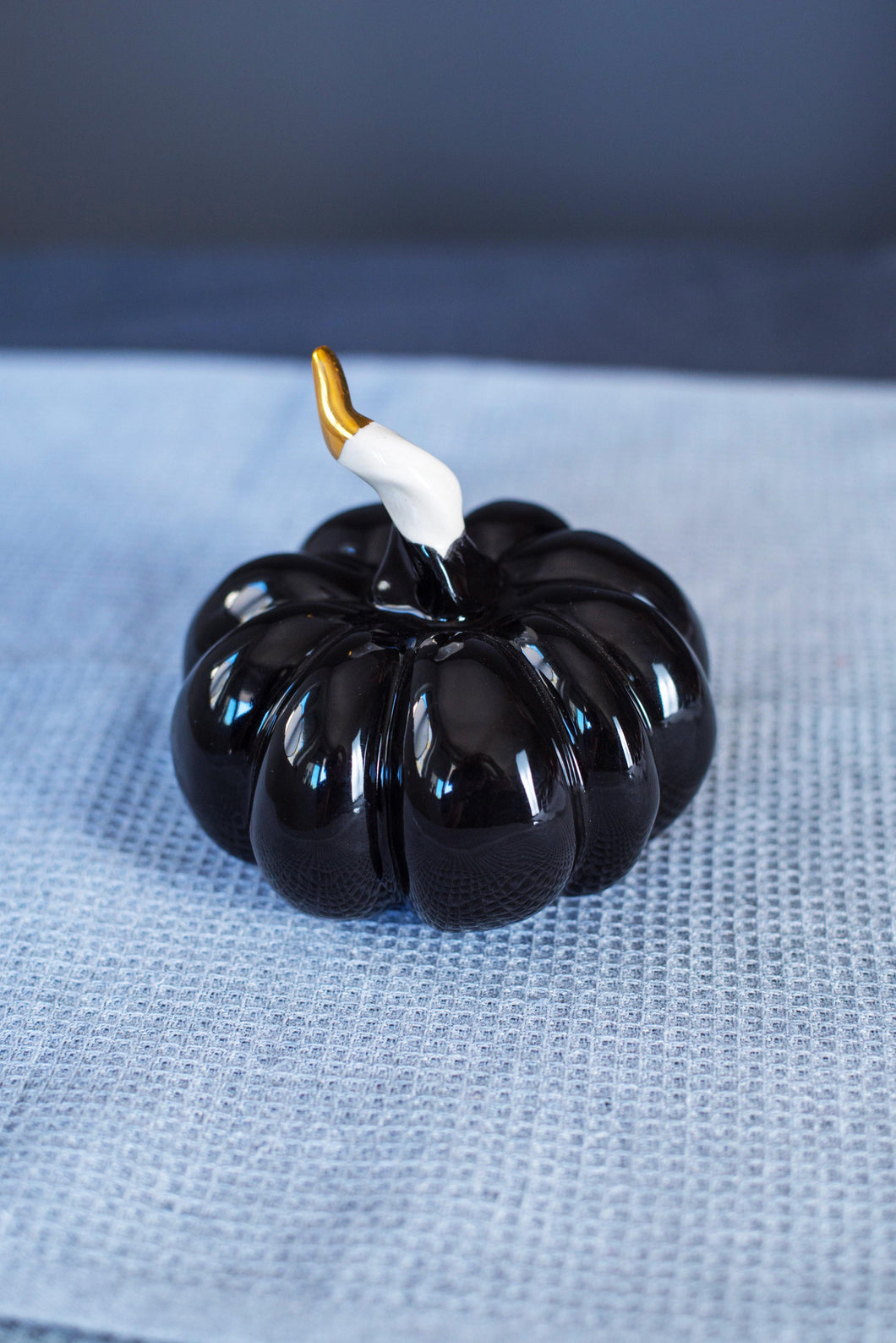 Porcelain pumpkin - black & gold - ZLATNAporcelain