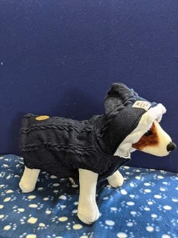 Dog Jumper - Navy blue knitted jumper with hood, 15 inches