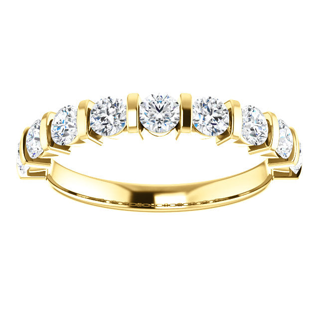 anniversary-ring-on-yellow-gold