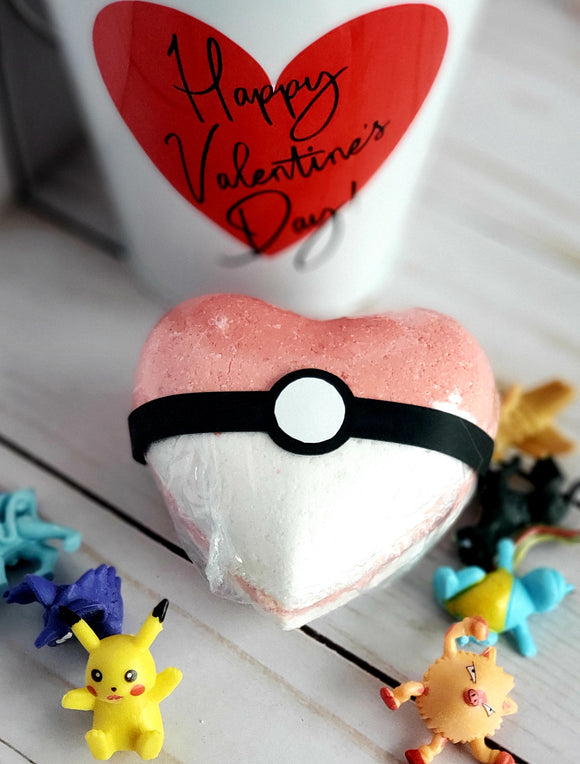 Poke Heart Bath Bomb - Action Figure inside